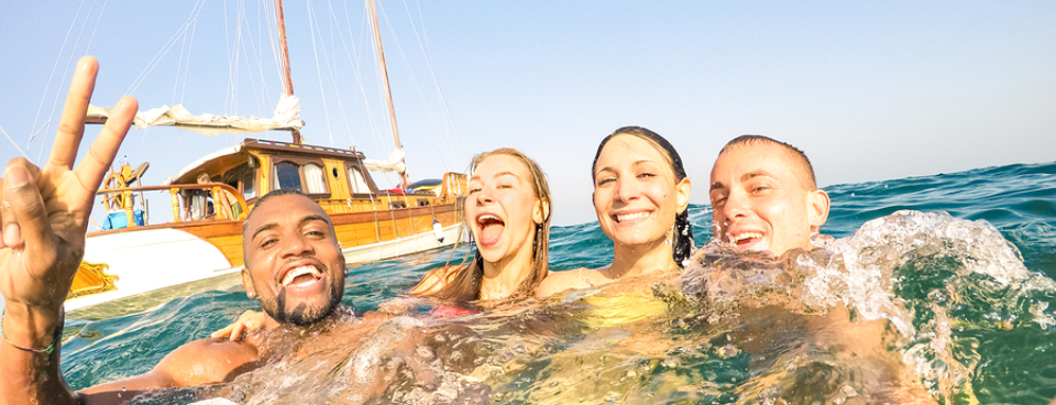 six reasons our customers choose to stay safe with World First when booking holiday insurance